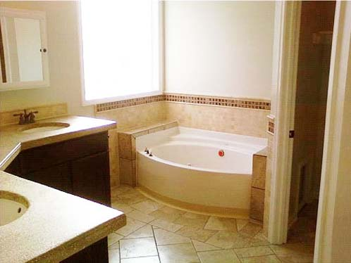 Hampton roads kitchen remodeling company williamsburg for Total bathroom remodel